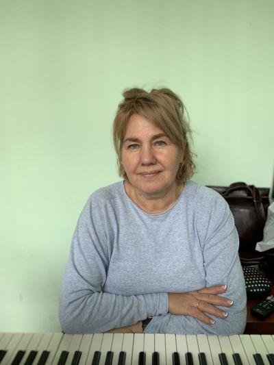 Людмила Юльевна Нуксунова, репетитор по вокалу